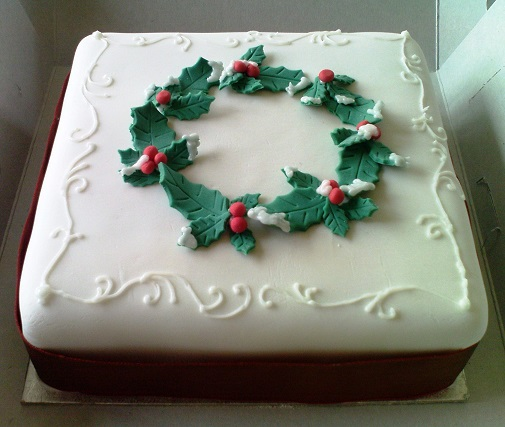 Christmas Cake Holly Decorations - Christmas Lights Card ...